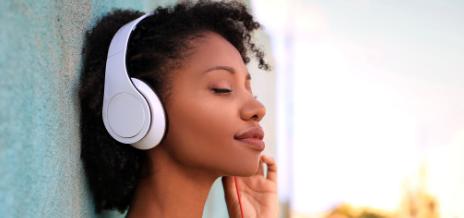 Casque connecté et musique : une véritable drogue pour les jeunes
